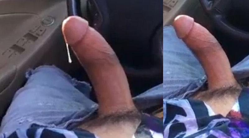 Meu pau está tão duro que está babando