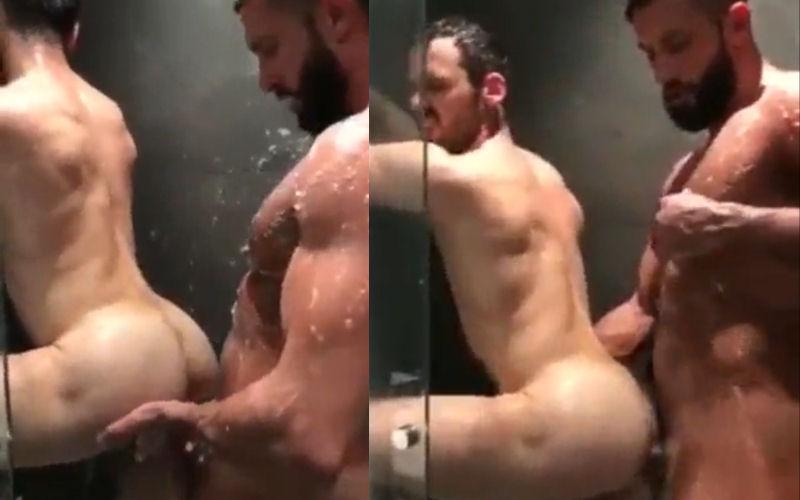 Aquela transa gostosa no chuveiro