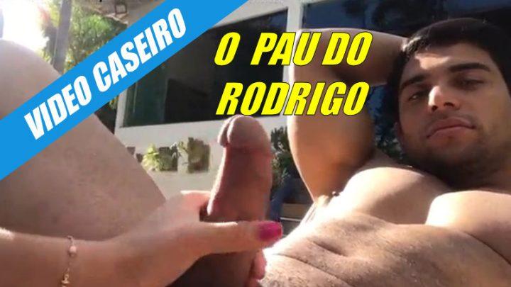 Brincando com o pau do Rodrigo