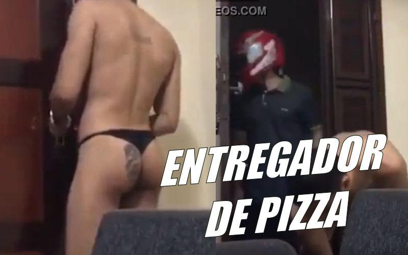 Recebi o entregador de pizza de calcinha